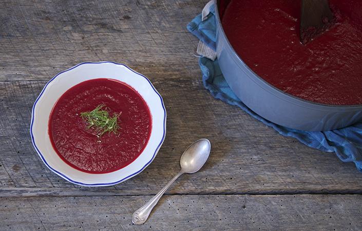 Creamy Beet & Fennel Soup
