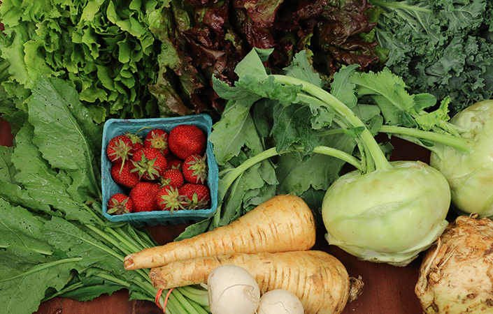 Ways Joining a CSA Will Help You Eat Healthier in 2015