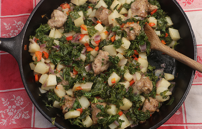 Red Pepper and Potato Hash with Kale